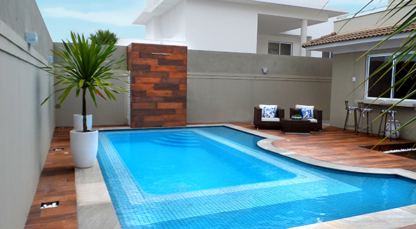 qual a melhor marca de piscina de fibra piscinas de fibra