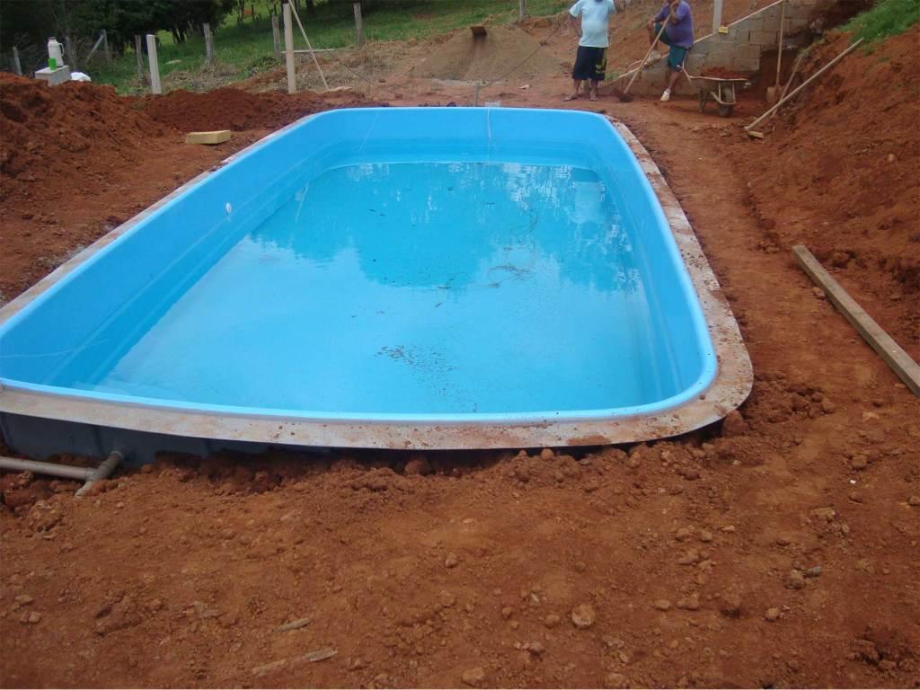 O que necess rio para construir e instalar sua piscina for Fibra para piscina