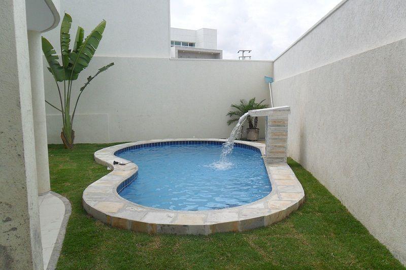 Quanto custa uma piscina de fibra de vidro?